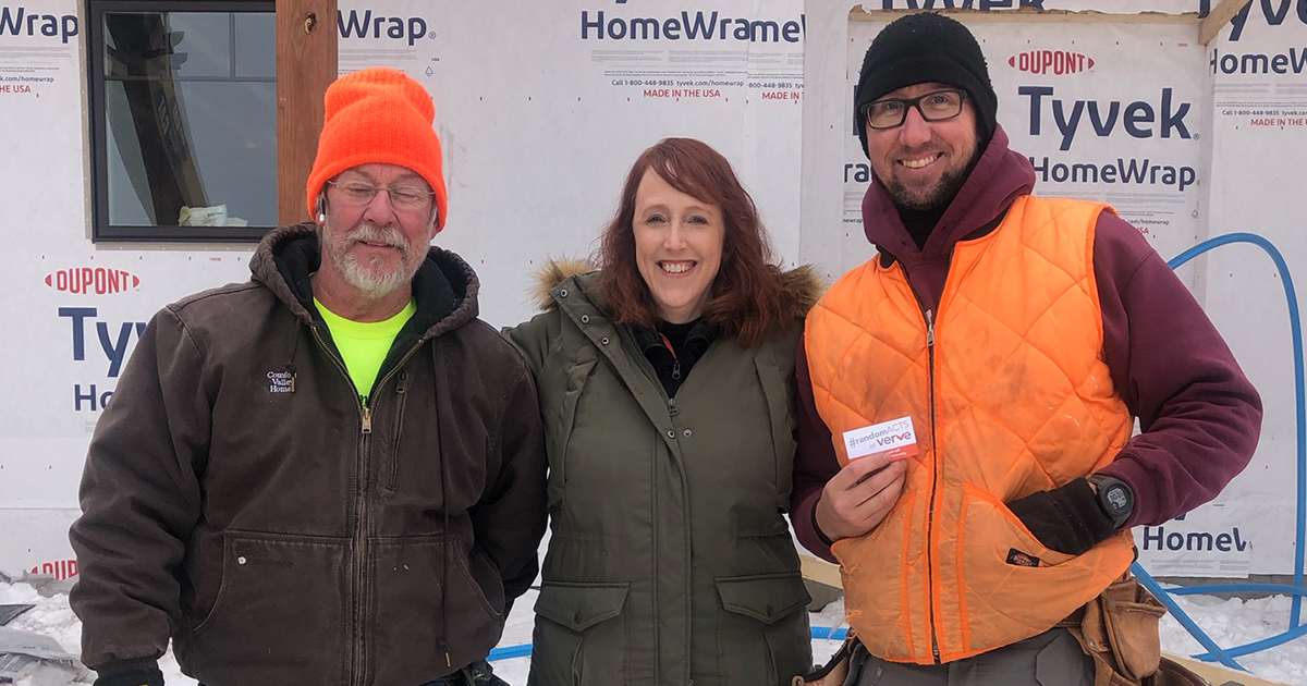 Spreading Holiday Cheer with Random Acts of Verve